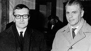 Rudolf Augstein nach seiner Haftentlassung mit Spiegel-Chefredakteur Conrad Ahlers © dpa picture-alliance Foto: dpa picture-alliance