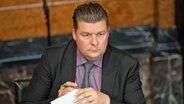 Andreas Dressel (SPD), Finanzsenator von Hamburg, nimmt an der Sitzung der Hamburgischen Bürgerschaft im Rathaus teil. © picture alliance/dpa Foto: Daniel Reinhardt