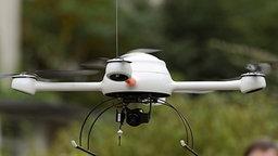 Mini-Drohne © dpa Foto: Jochen Lübke