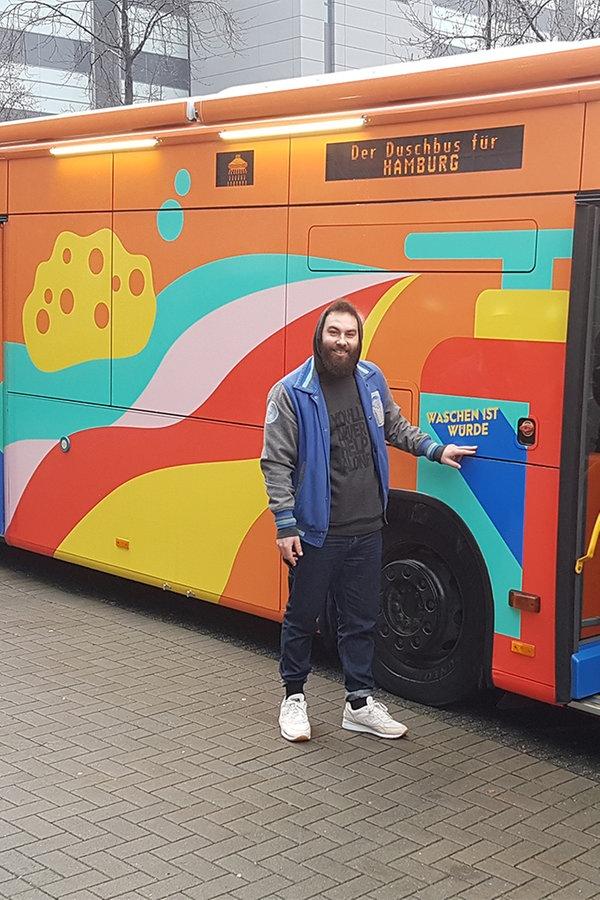 Der Duschbus für Obdachlose geht in Betrieb