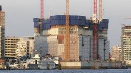 Die Baustelle der Elbphilharmonie in Hamburg © dpa Foto: Tobias Kleinschmidt