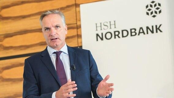 HSH Nordbank geht besenrein an neuen Eigentümer