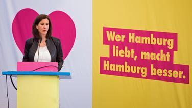 Katja Suding, Landesvorsitzende der Freien Demokraten (FDP), spricht während eines Landesparteitags. Unter dem Motto