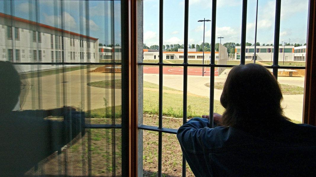 Niedersachsen: Platz in Gefängnissen wird knapp