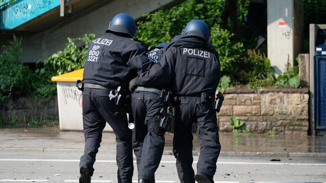 nach g20 spenden f r verletzte polizisten nachrichten hamburg. Black Bedroom Furniture Sets. Home Design Ideas