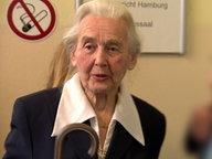 Die Holocaust-Leugnerin Ursula Haverbeck im Hamburger Amtsgericht. © NDR