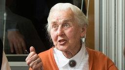 Ursula Haverbeck-Wetzel, mehrfach verurteilte Holocaustleugnerin, 2016 in einem Gerichtssaal in Detmold. © picture alliance / dpa Foto: Bernd Thissen