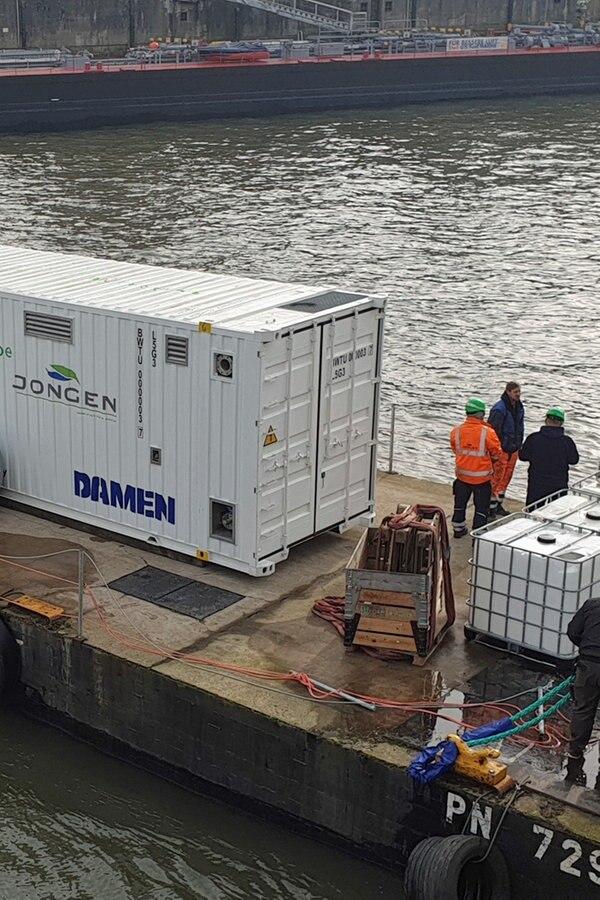 Neue Anlage reinigt Ballastwasser im Hafen