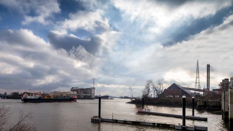 Die Köhlbrandbrücke im Hamburger Hafen soll einmal abgerissen werden