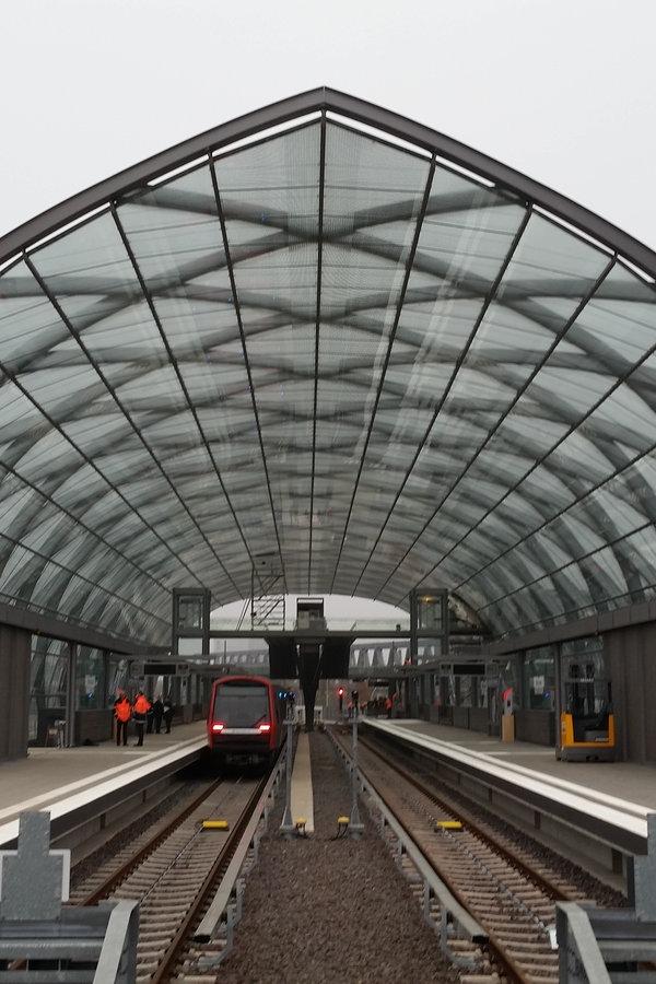 Tschentscher macht Hoffnung auf U-Bahn bis Harburg - NDR.de