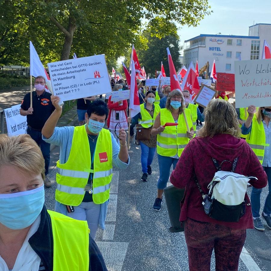Otto Protest Gegen Schliessung Des Retouren Zentrums Ndr De Nachrichten Hamburg