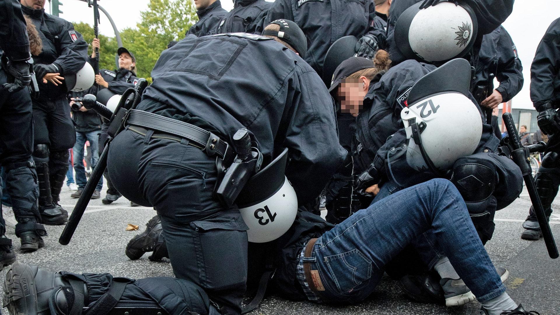 Frau Polizeibeamtin Schwarze Schwarze Frau