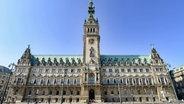 Das Hamburger Rathaus. © imago
