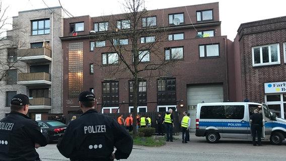 In Hamburg-Wandsbek Razzia gegen Miet-Abzocke