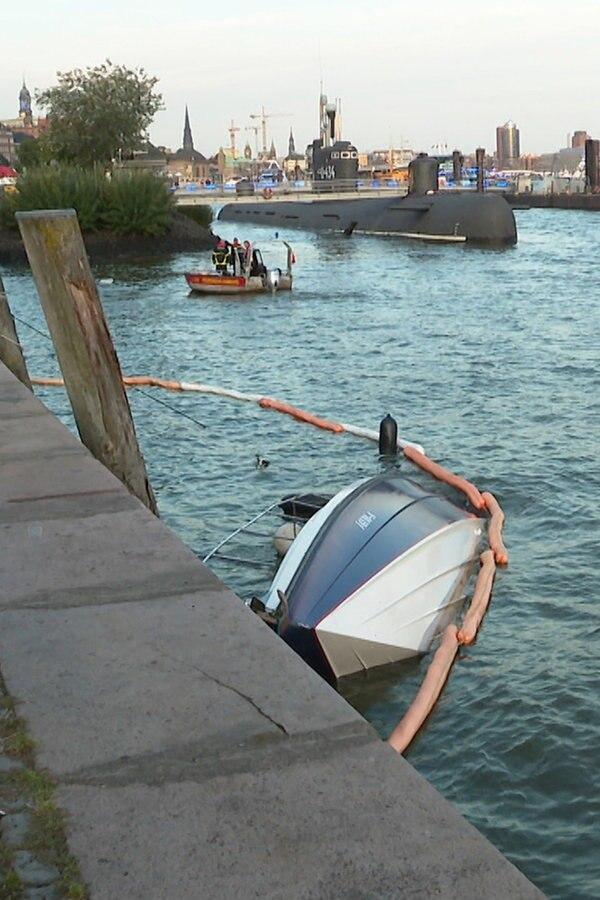 Fähre und Sportboot kollidieren bei Cruise Days
