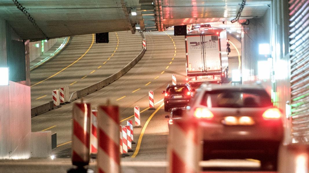 A7-Deckel in Stellingen bald voll in Betrieb | NDR.de