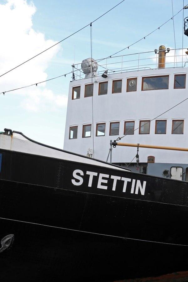 """Dampfeisbrecher """"Stettin"""" kommt in die Werft"""