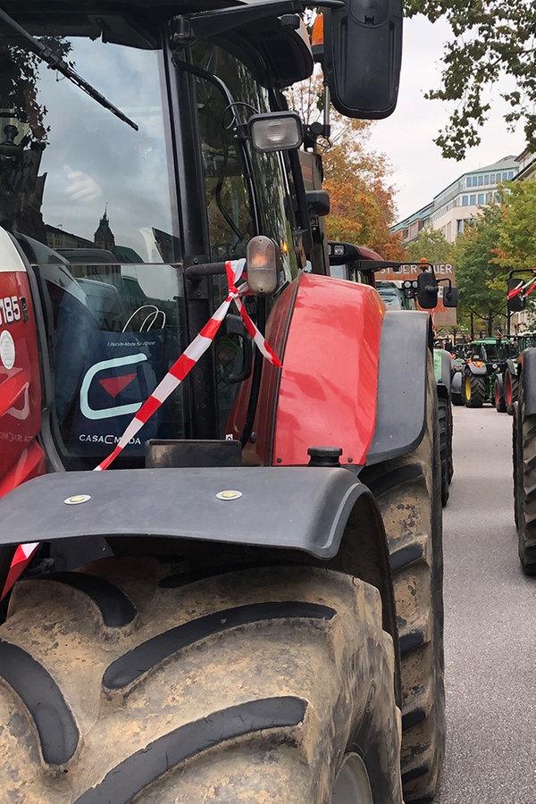 Trecker-Demos: Bauern-Protest gegen Agrarpaket