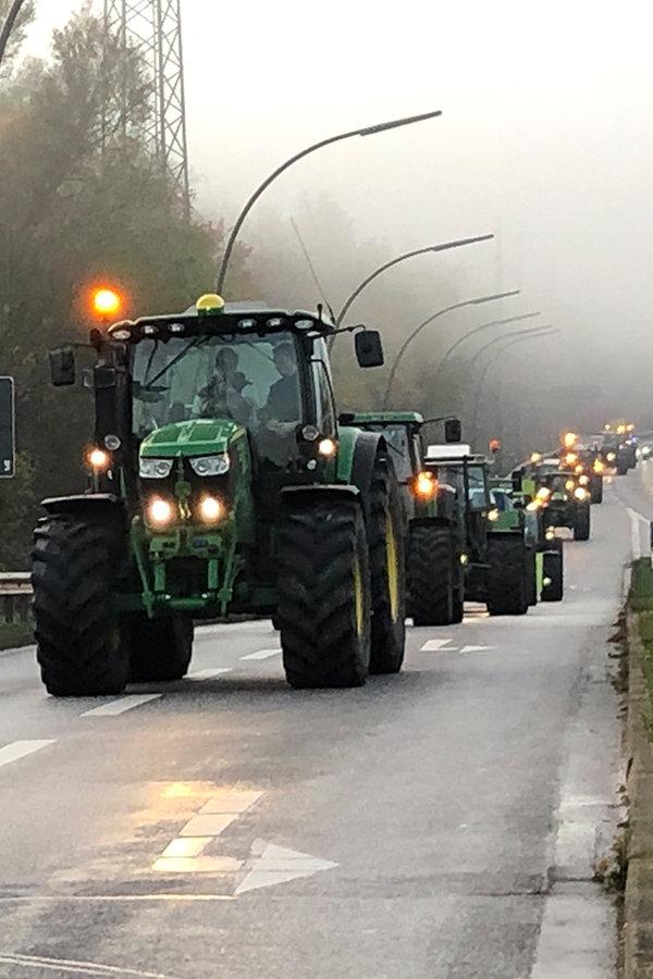 Trecker-Demo: Rückreise im Konvoi untersagt