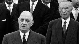 Charles de Gaulle (l.) und Konrad Adenauer am 4. September 1962 in Köln. © dpa picture alliance Foto: Heinz-Juergen Goettert