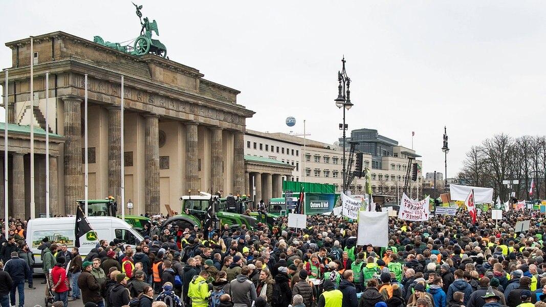 Hunderte Norddeutsche Bei Trecker Demo In Berlin Ndr De Nachrichten Ndr Info