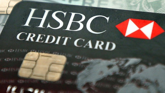 Kreditcarte der HSBC © picture alliance / empics Foto: Philip Toscano / PA Wire