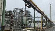 Die Hamburger Chemiefirma H&R Ölwerke Schindler GmbH stellt Wasserstoff selbst her © NDR Foto: Ines Burckhardt