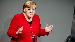 Kanzlerin Angela Merkel (CDU) bei einer Rede im Bundestag. © dpa bildfunk Foto: Michael Kappeler