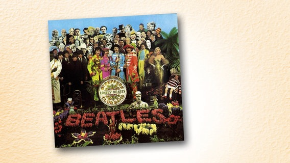"Das Plattencover des Beatles-Albums ""Sgt. Peppers Lonely Hearts Club Band"" © dpa/picture alliance"