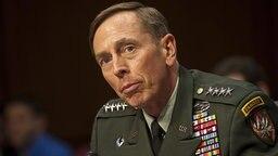 US-General David Petraeus. © dpa picture alliance Foto: GREG E. MATHIESON, SR