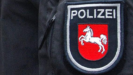 Wangenkusschen Beim Friseur Polizei Schliesst Geschafte Ndr De Nachrichten Niedersachsen Studio Hannover
