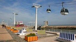 Die Seilbahn im Park der Nationen in Lissabon. © picture alliance / Arco Images GmbH Foto: Goll, P.