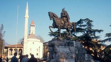 Tirana, Hauptstadt von Albanien © picture-alliance