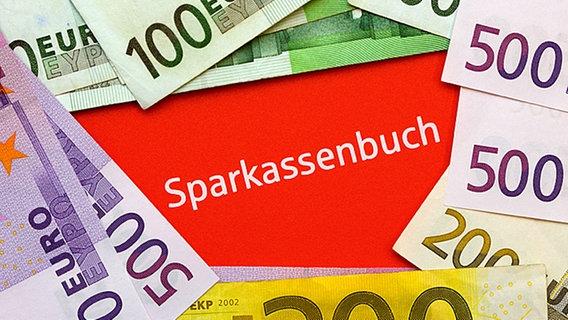 22.000 Euro: Sparbuch und Bares nach Jahren wieder gefunden