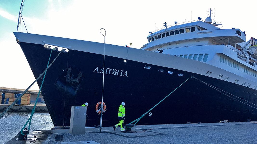 """""""Astoria"""" eröffnet Kreuzfahrtsaison in Wismar"""