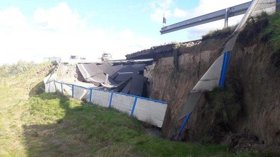Autobahn 20: Fahrbahn weggebrochen