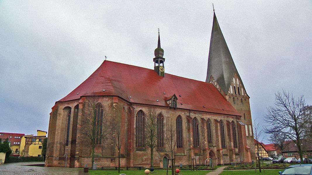 "Diskussion um ""Judensau""-Relief in Bützows Kirche"