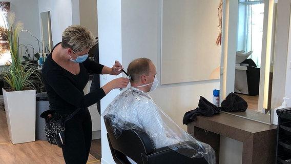Friseurbesuch In Coronazeiten
