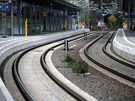 Leere Gleise und Bahnsteig © dpa Fotograf: Jens Büttner