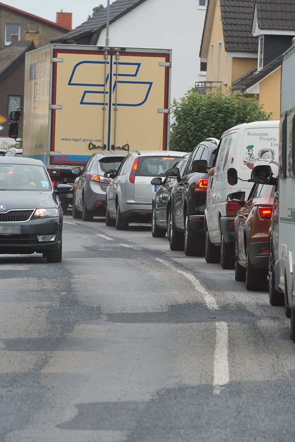 Verkehr auf Usedom: Gutachter empfiehlt Kreisverkehre