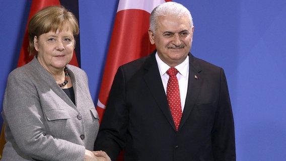 Deniz Yücel in Berlin eingetroffen!