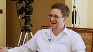 Edward Snowden in einer Interviewsituation mit dem NDR im Januar 2014. © Knut Sodemann