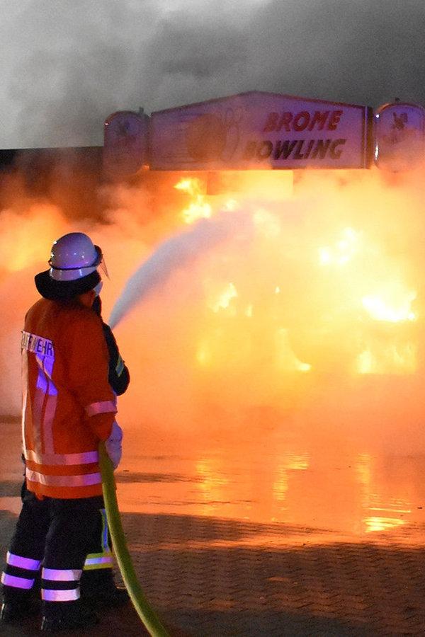 Millionenschaden nach Brand in Bowlingcenter