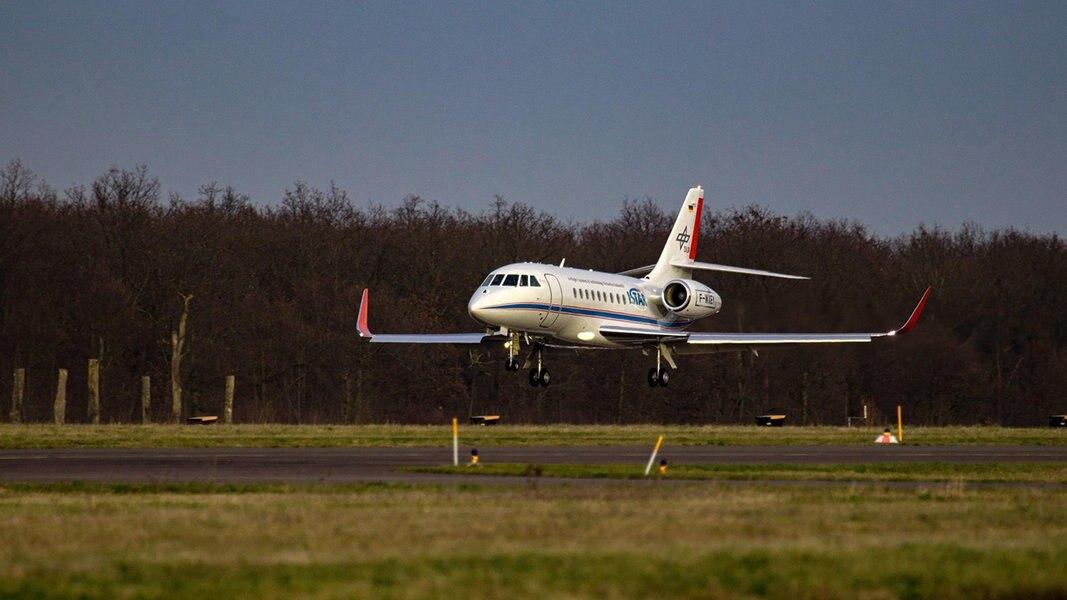 """Forschungsflugzeug """"ISTAR"""" landet in Braunschweig"""