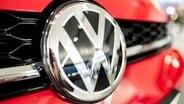 Das Logo eines VW-Fahrzeugs. © dpa-Bildfunk Foto: Peter Steffen