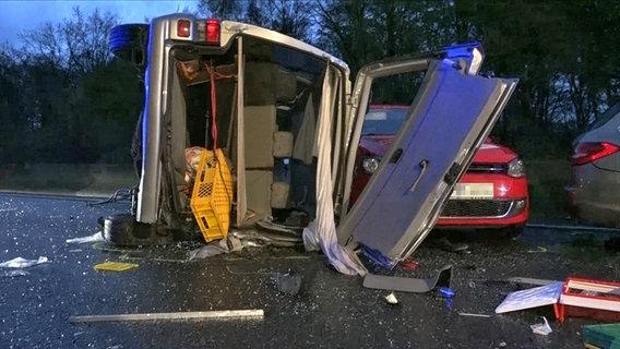 Verletzte bei Massenkarambolage mit Reisebus auf A2