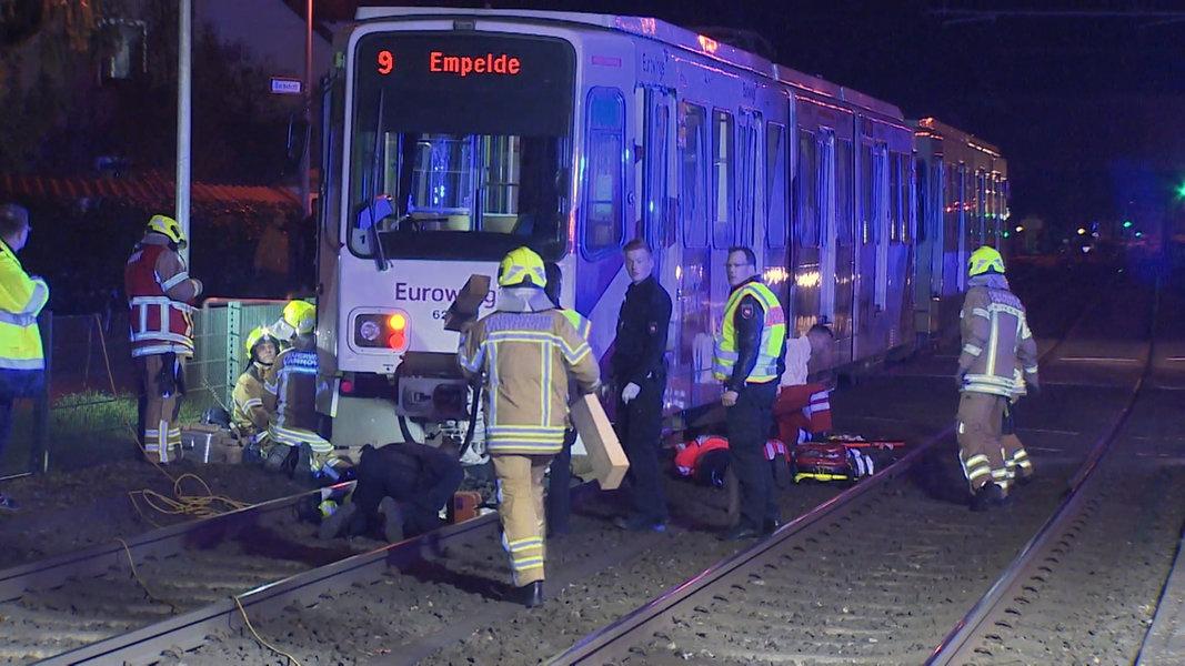 Hannover: 85-Jähriger von Stadtbahn überrollt | NDR.de