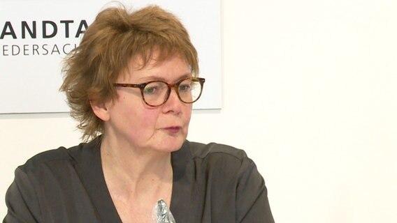 Health Minister Daniela Behrens (SPD) at a press conference of the Corona-Kirsenstab.  © NDR