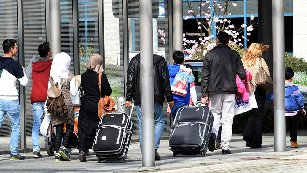 Flüchtlinge In Hamburg Helfen