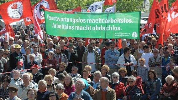 Gewerkschaftsbund ruft zu Mai-Kundgebungen auf